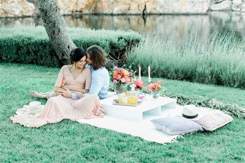 couple picnic at lake vouliagmeni