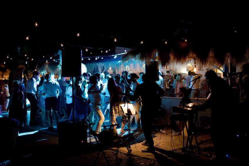 Wedding band greece Bejeezus performing at night