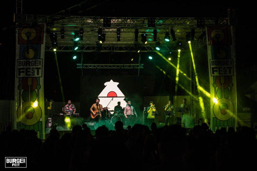 Wedding band greece Bejeezus performing at stadium