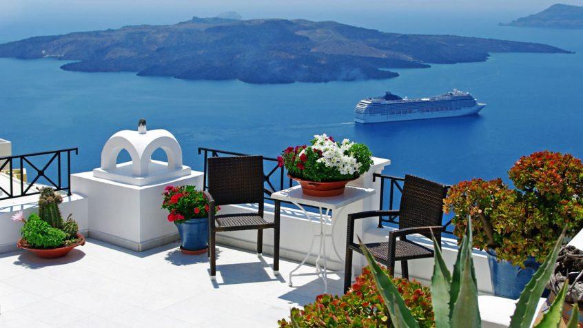 honeymoon sea Caldera view