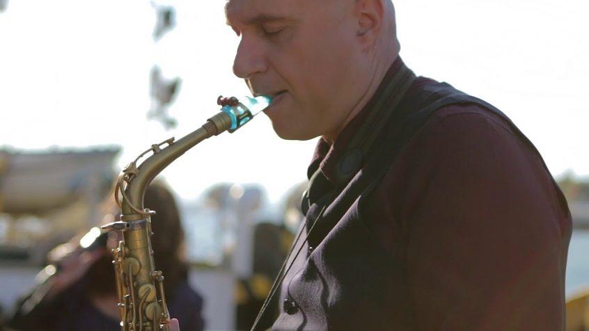 Wedding bands Greece saxophone player Nikos Koulouris