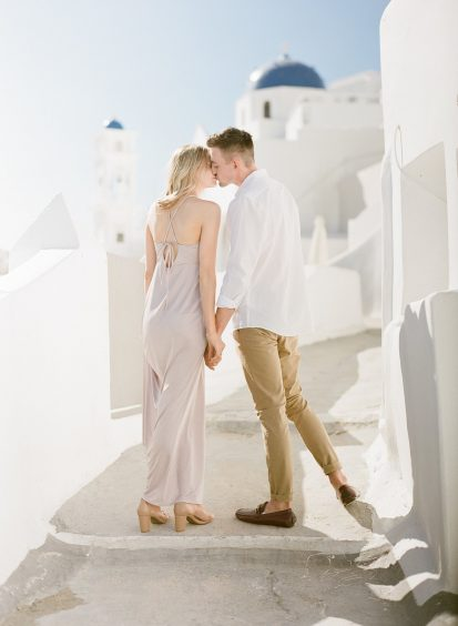 les anagnou capturing a couple in their wedding in Greece