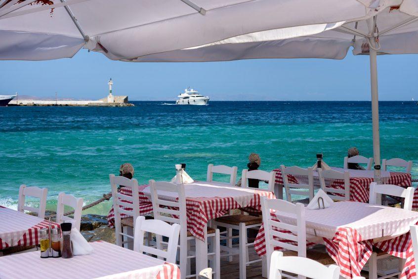 Seaside tavern in Mykonos